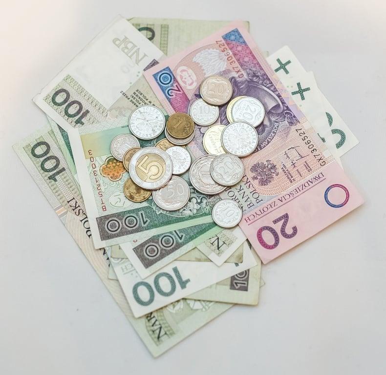 Prawo: Sprawdź, kiedy ZUS zmniejszy lub zawiesi świadczenie emerytalno–rentowe