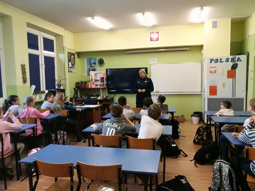 Elbląg: Policjanci w szkołach