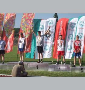 Medaliści olimpijscy SOSW nr 1 na szkolnym apelu