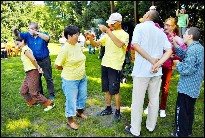 Uczestnicy Środowiskowego Domu Samopomocy w Jegłowniku pożegnali lato