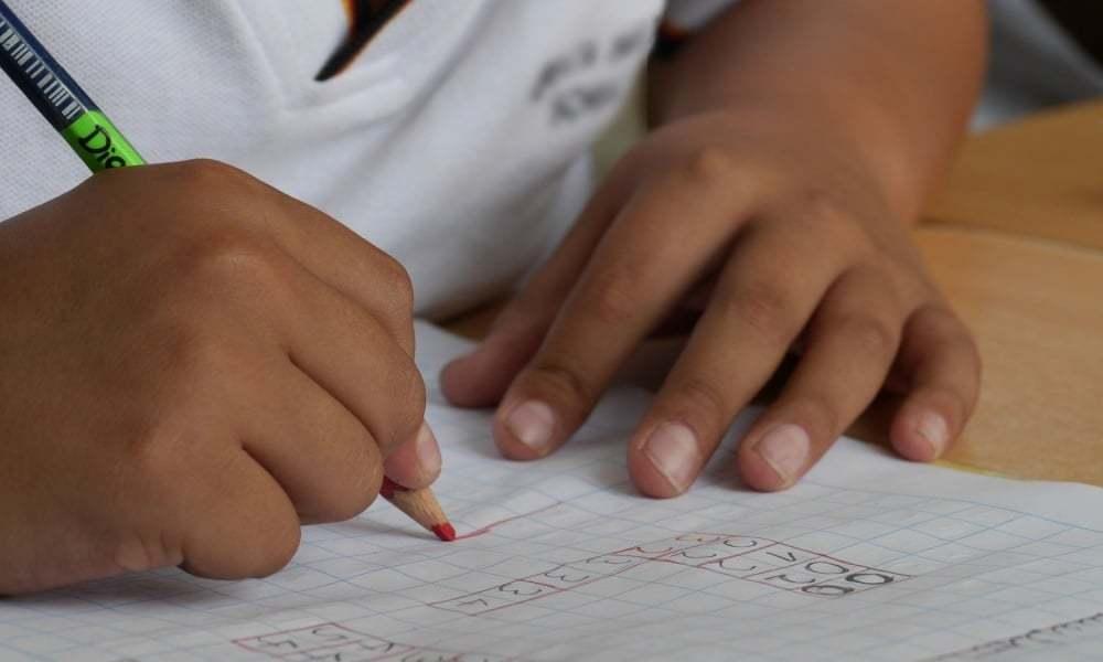Piontkowski: W strefach żółtych lub czerwonych uczniowie przewlekle chorzy będą mogli uczyć się zdalnie
