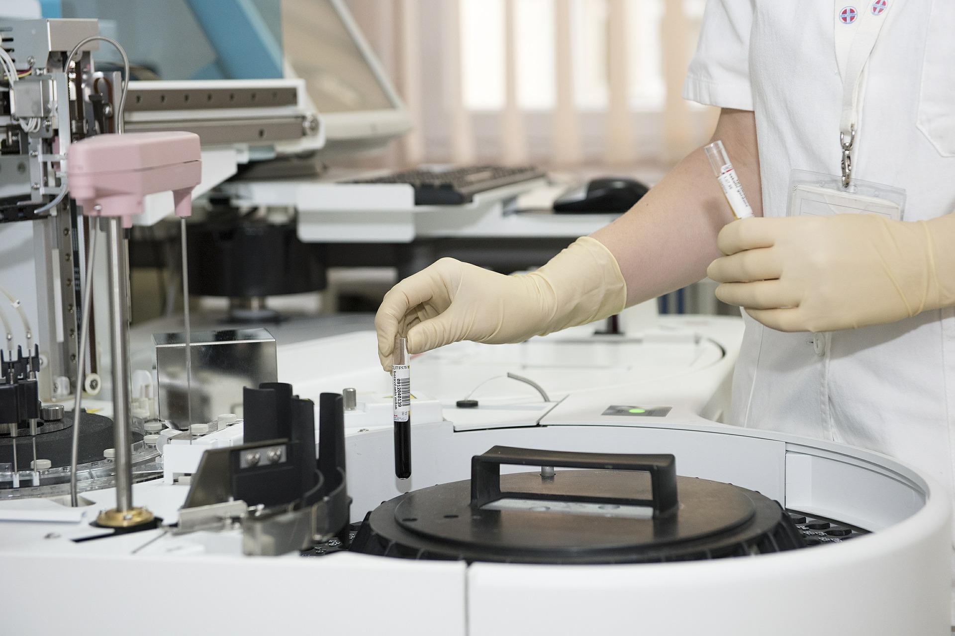 Sztuczna inteligencja rewolucjonizuje medycynę, w tym także onkologię