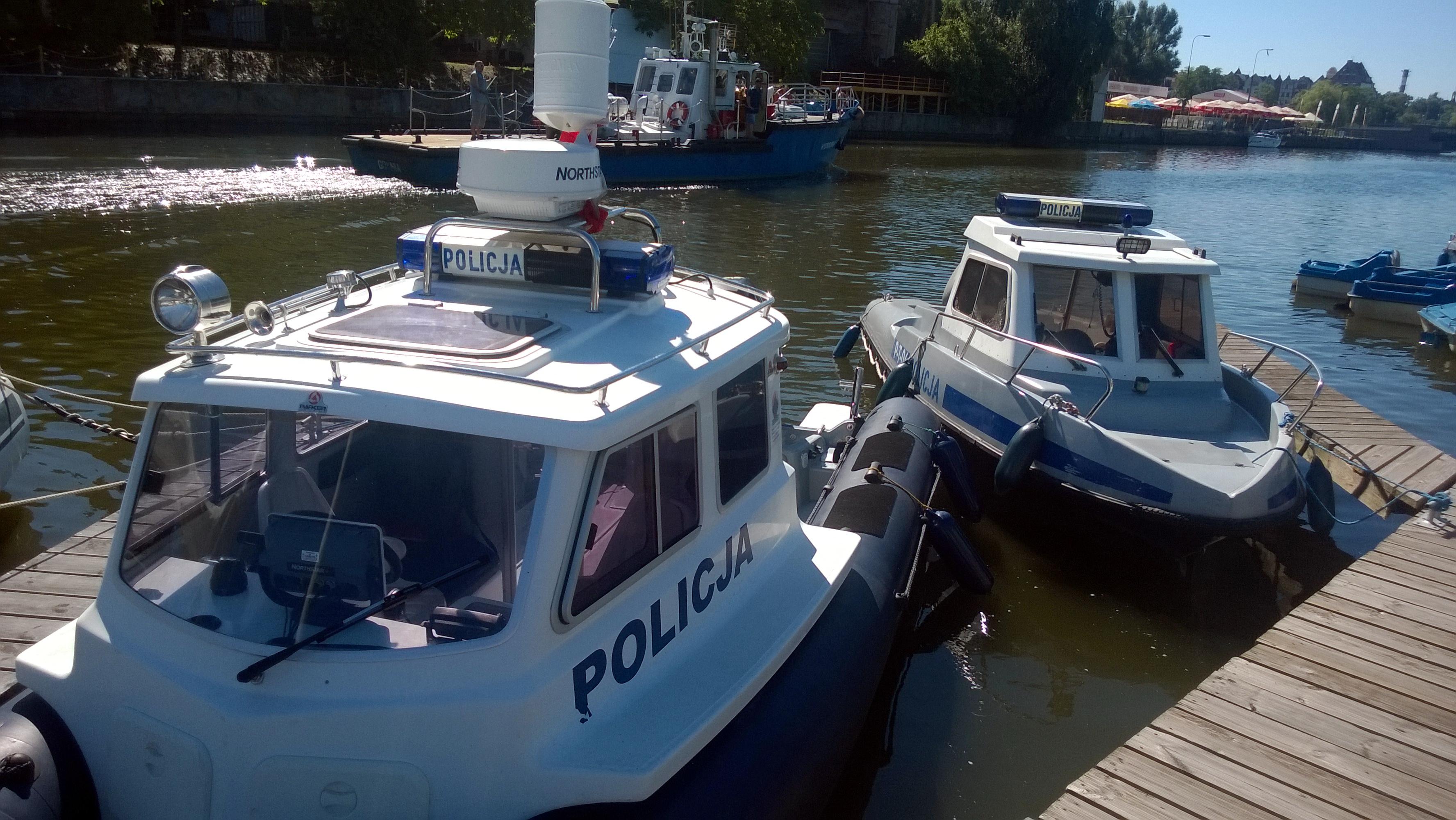 Elbląscy policjanci patrolują akweny