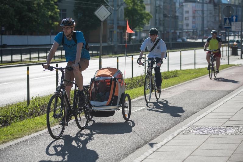 Gdańsk wypożyczy przyczepki rowerowe rodzicom przedszkolaków