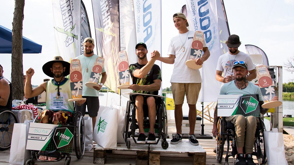 Wakeboardziści na zawodach pod Warszawą