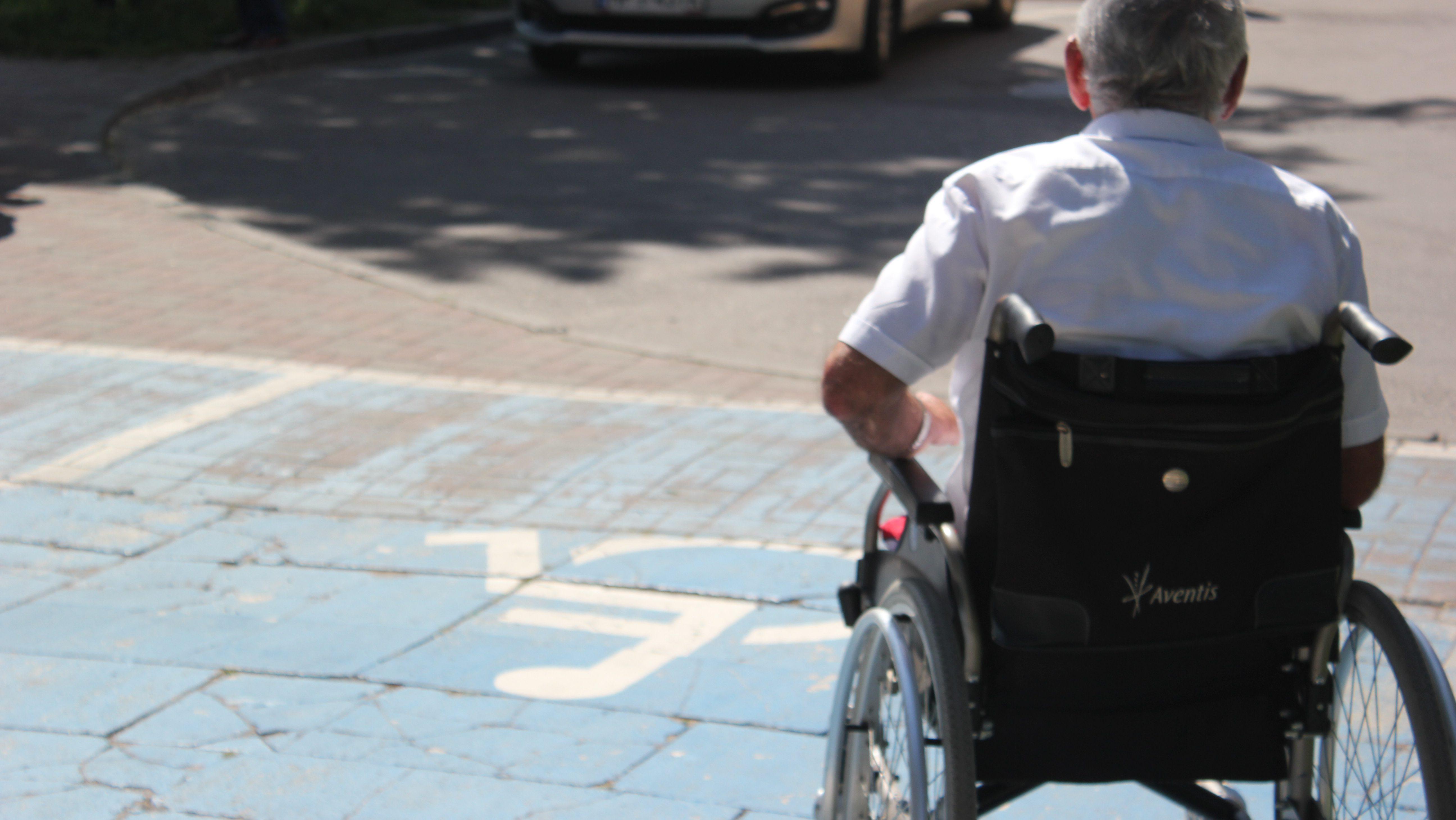 Różnice między niezdolnością do samodzielnej egzystencji a niepełnosprawnością