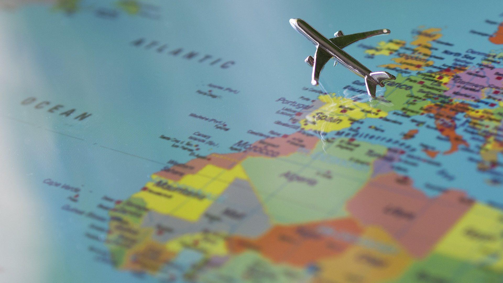 Nieudana podróż samolotem. Na jakich zasadach można dochodzić odszkodowania po wakacjach?