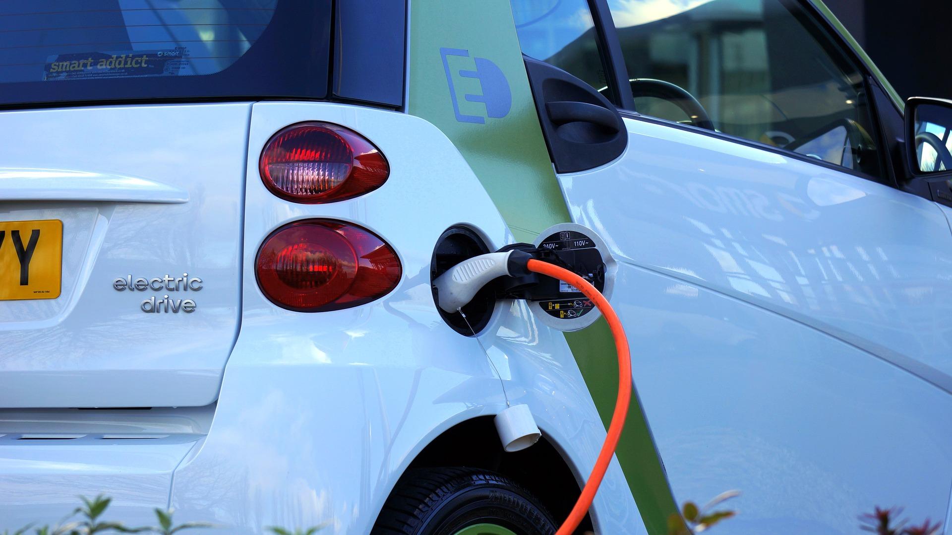 Koniec ciszy aut elektrycznych