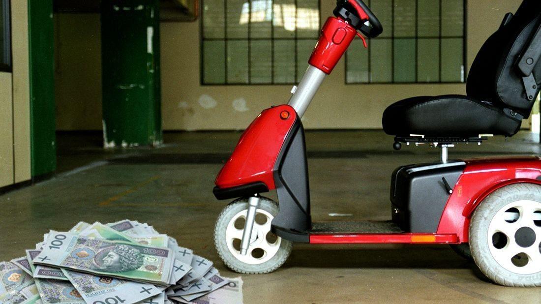 Jak ubiegać się o dofinansowanie zakupu wózka inwalidzkiego o napędzie elektrycznym?