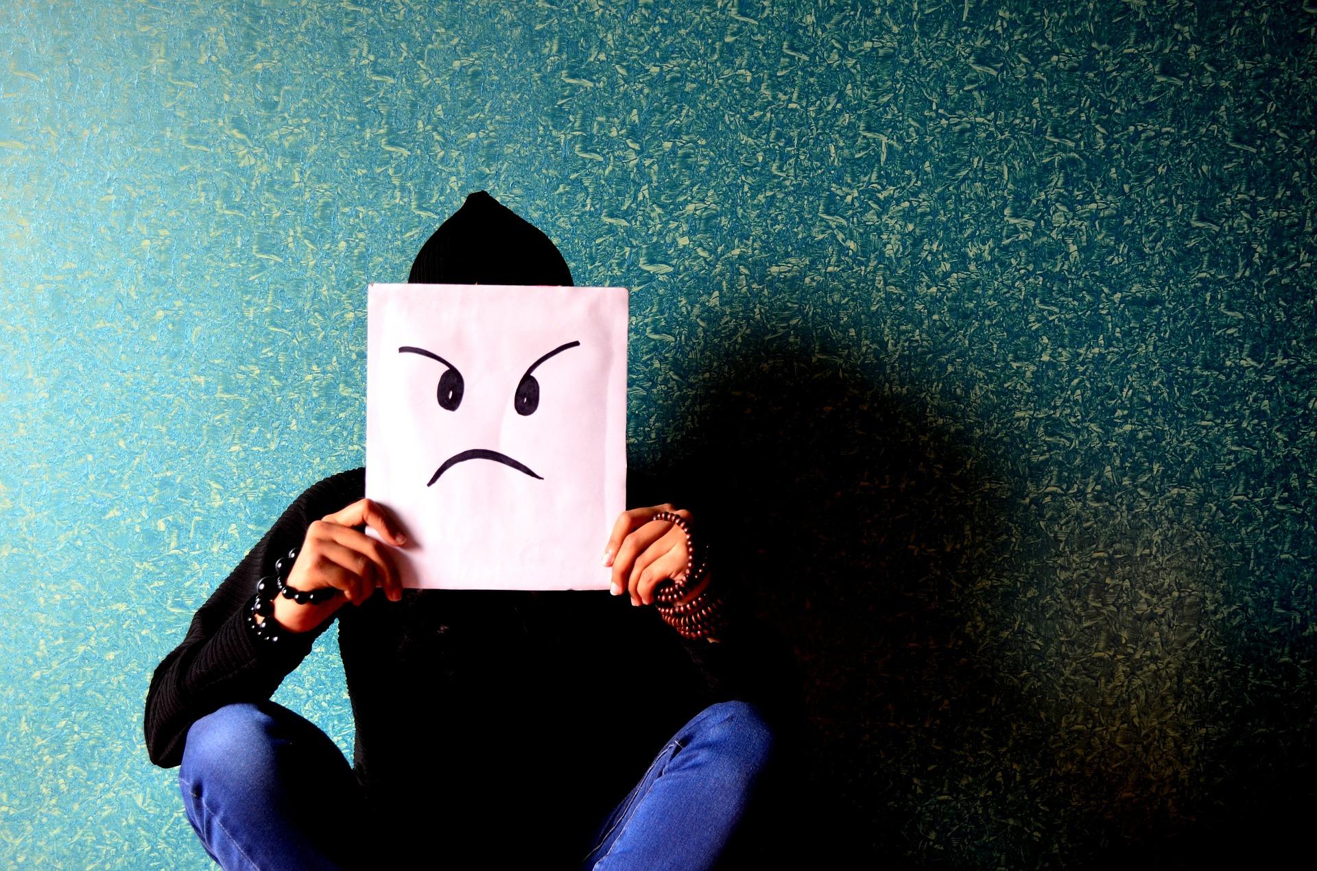 Jak radzić sobie z trudnymi emocjami w czasie epidemii?