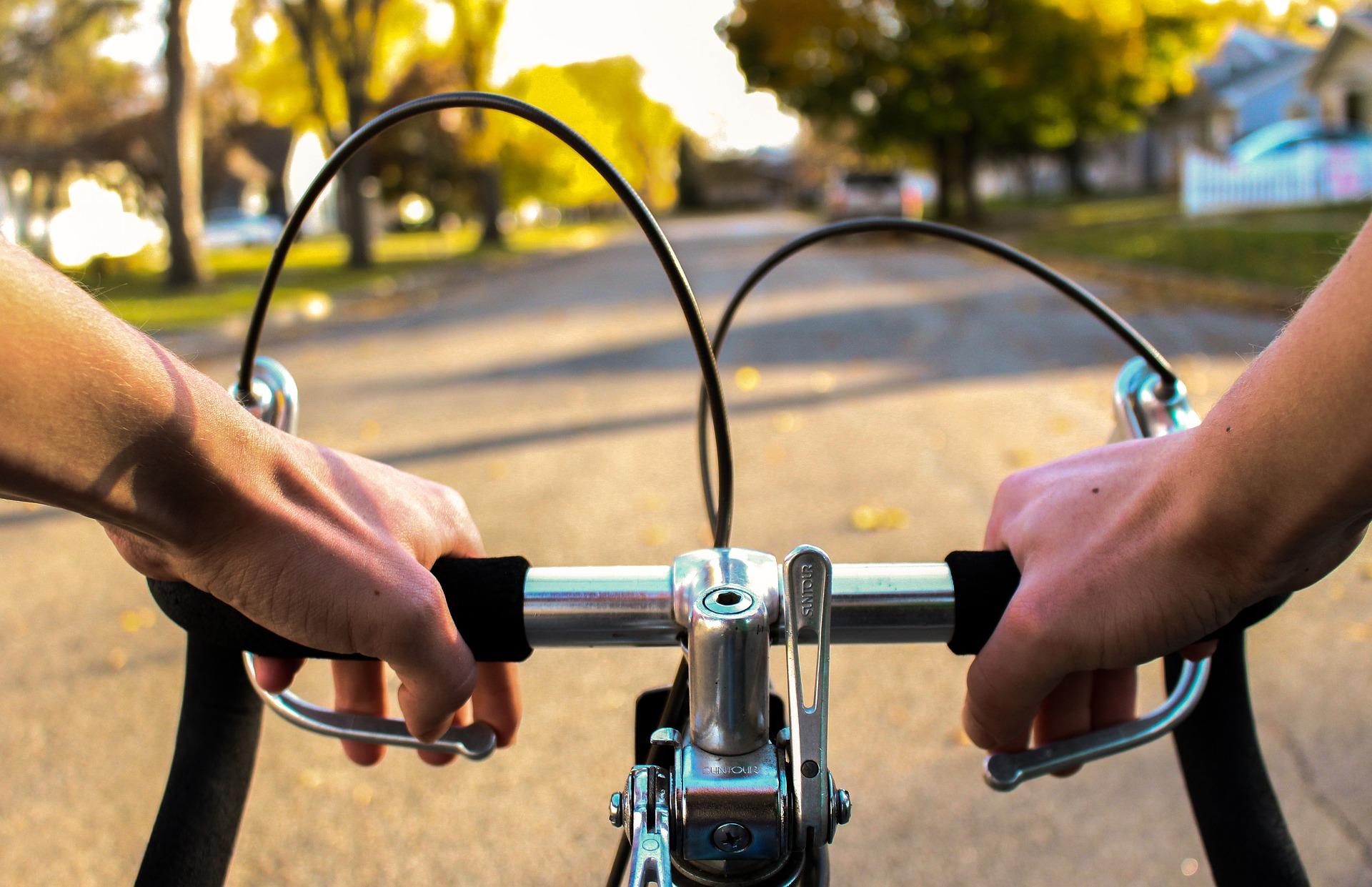 Rowerzysta i jego obowiązki w  przestrzeni publicznej