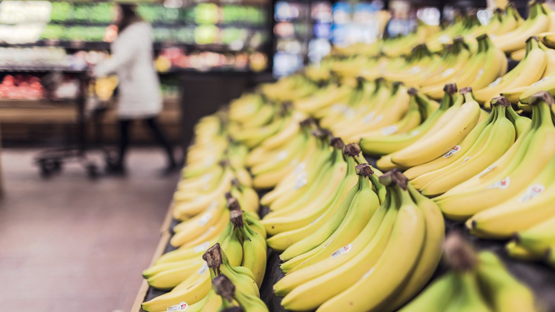 PE: Nie zakazujemy sprzedaży zbyt zakrzywionych bananów