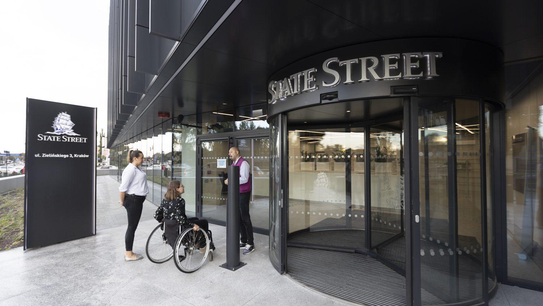 Osoby z niepełnosprawnością wrócą na rynek pracy dzięki grantowi State Street