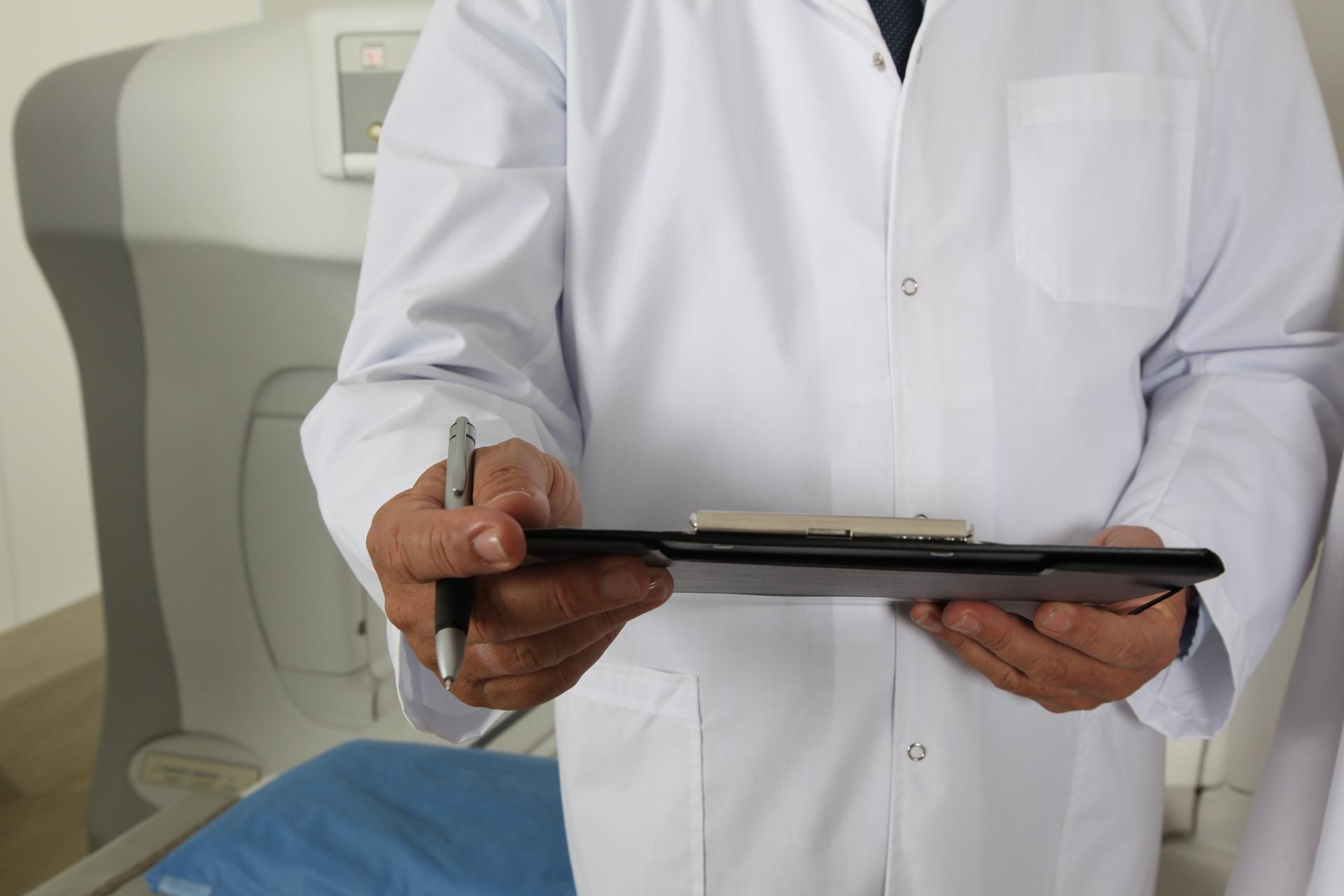 Rok po hospitalizacji z powodu COVID-19 co trzeci pacjent nadal ma zmiany w płucach
