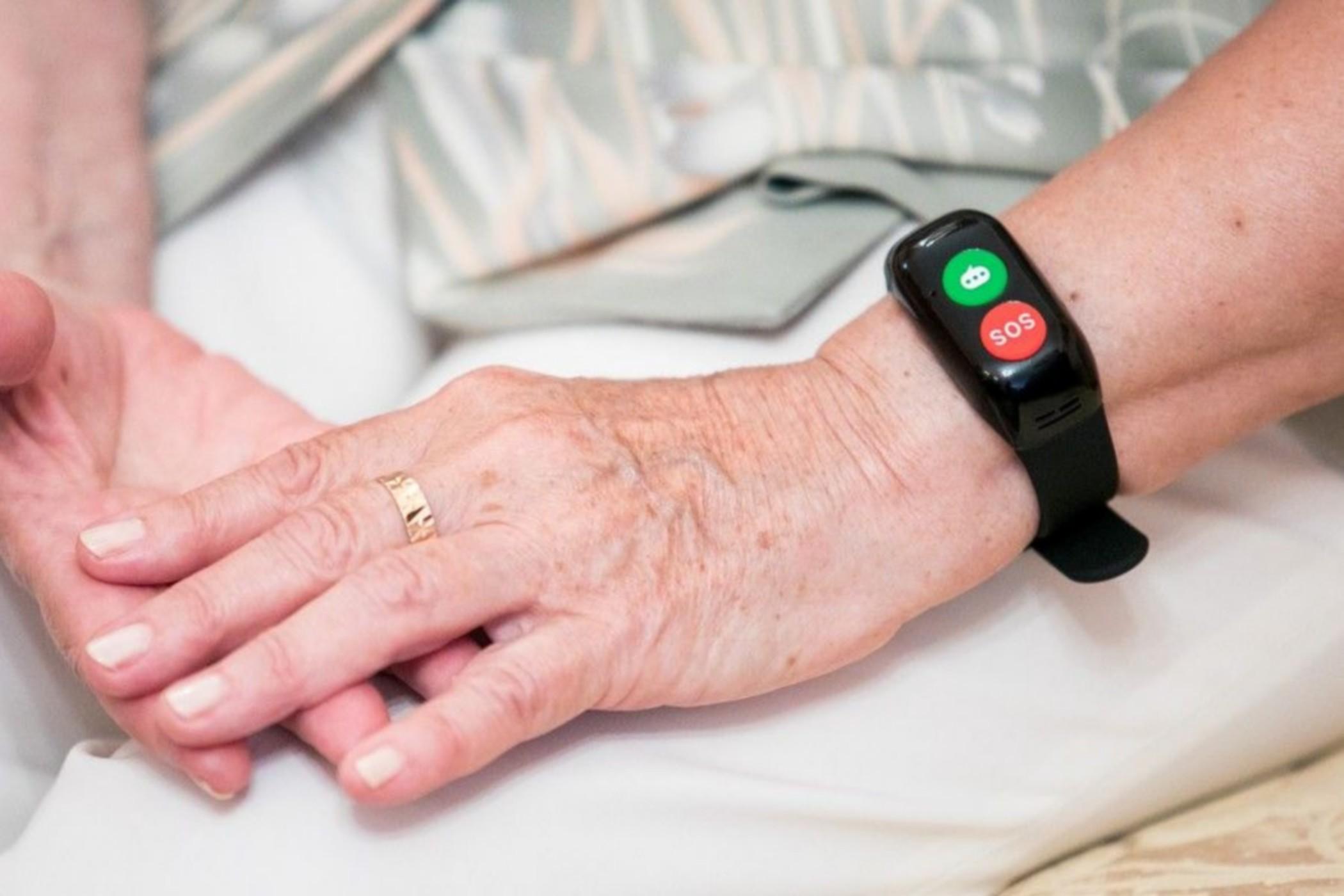 3 tysiące bransoletek trafi do seniorów