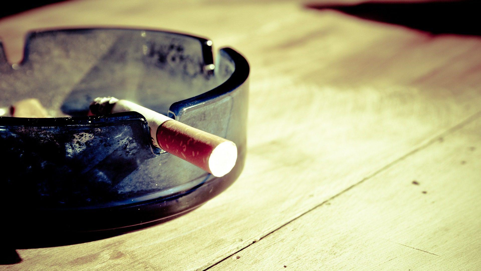 Postawy Polaków wobec palenia papierosów