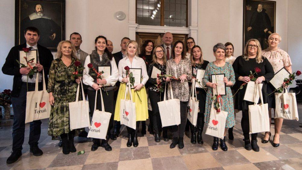 Toruń: Nagrodzono pracowników socjalnych