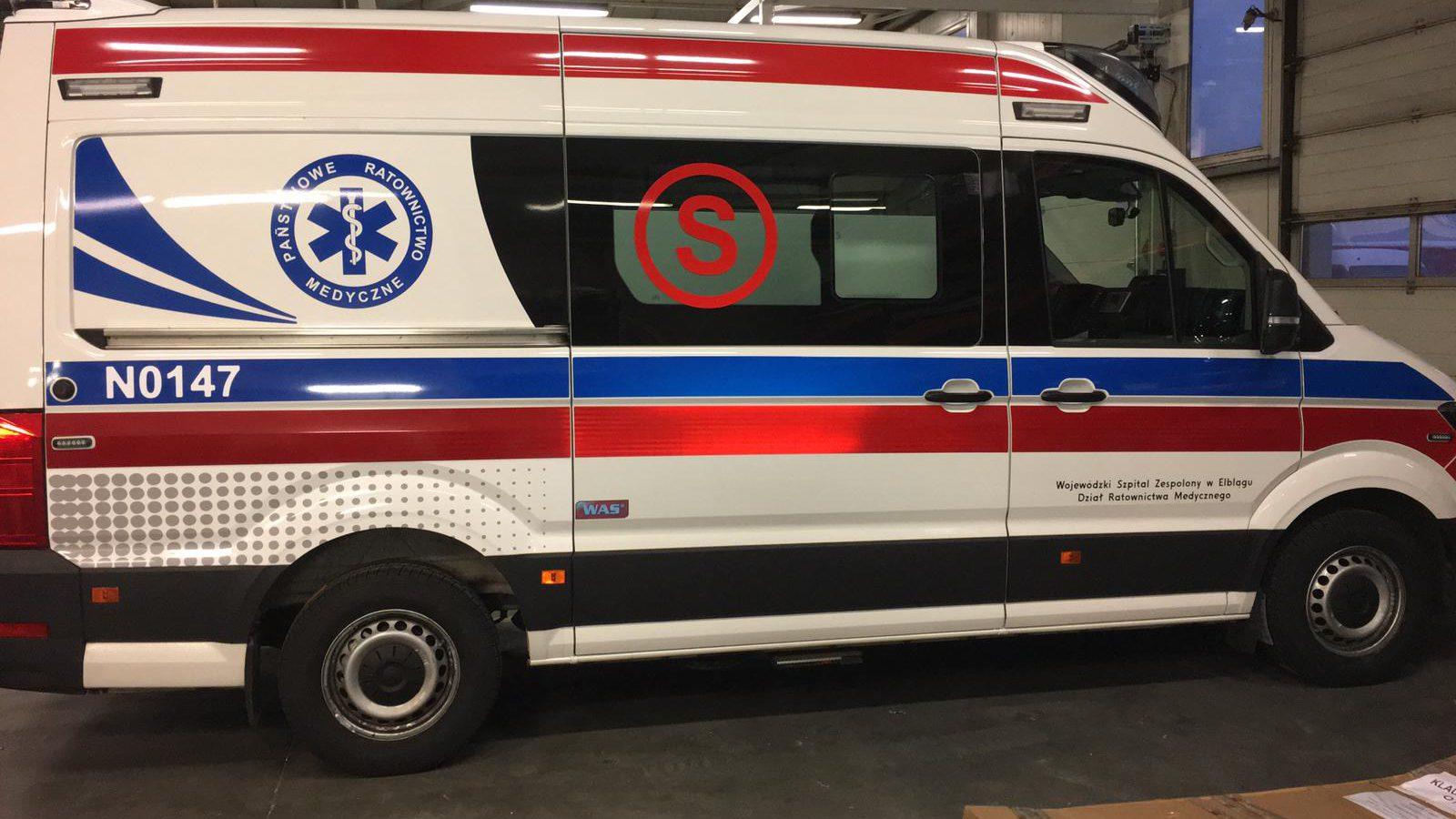 Nowy ambulans i krzesełka kardiologiczne