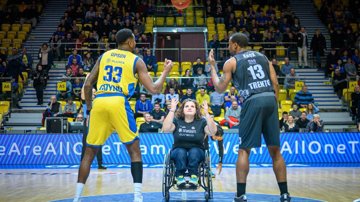 Gdynia: OneTeam z pasją na koszykarskim parkiecie