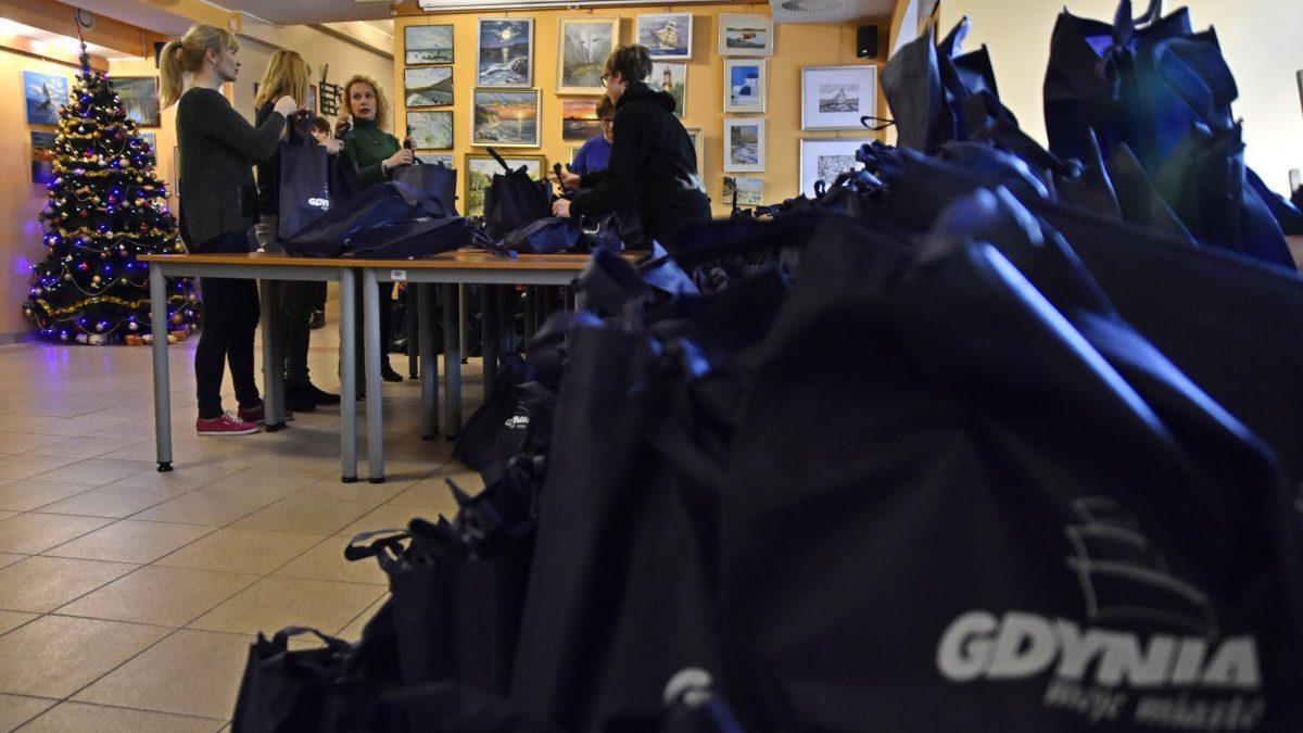 Gdynia: Świąteczne paczki dla potrzebujących gdynian już gotowe