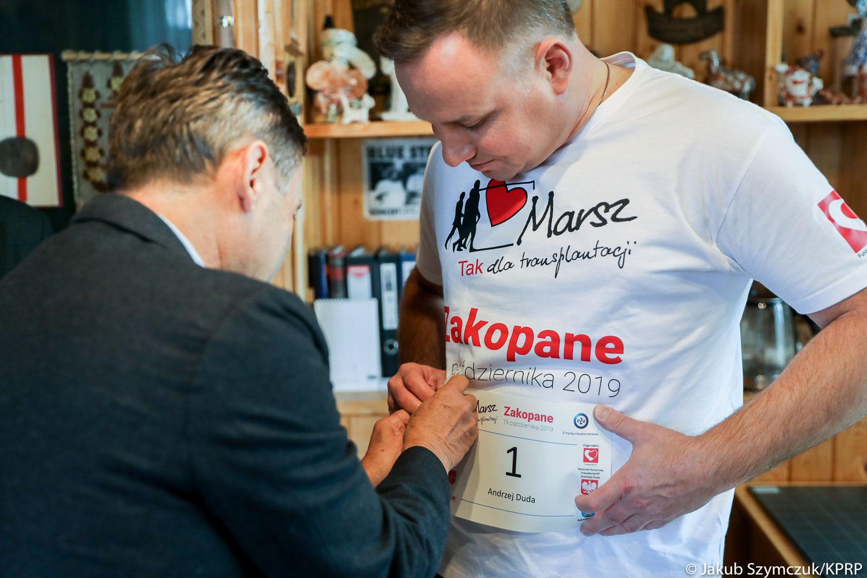 Aukcja WOŚP: 200 tys. zł za prezydencką koszulkę