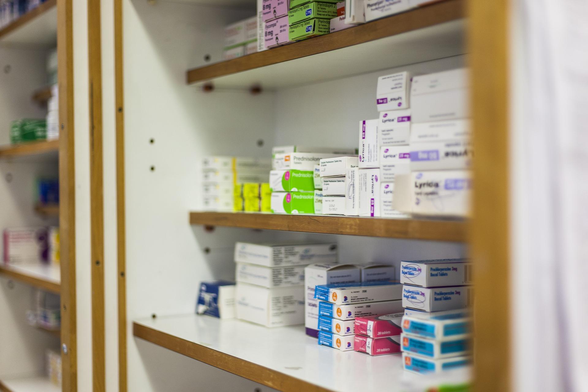 Dworczyk: Apteki w programie szczepień przeciw COVID-19, wsparcie farmaceutów zwiększy dostępność