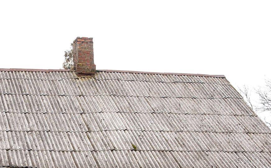 Azbest – monitorują, usuwają
