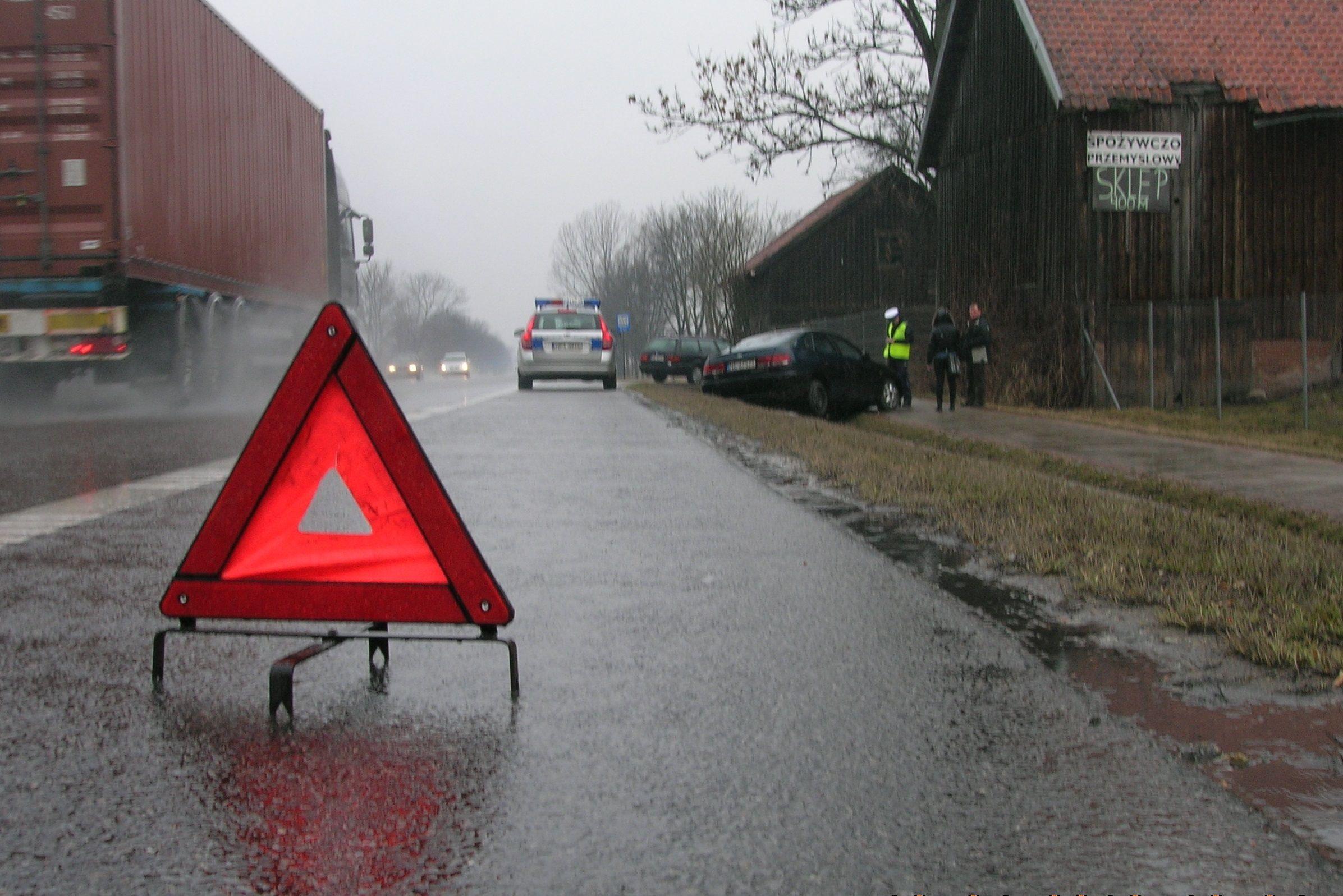 """Seniorki oszukane metodą """"na wypadek"""". Policjanci ostrzegają!"""