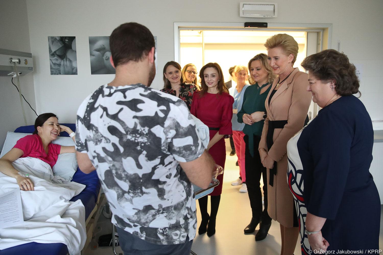 Agata Kornhauser-Duda i Elizabeta Gjorgievska z wizytą u warszawskich pacjentek
