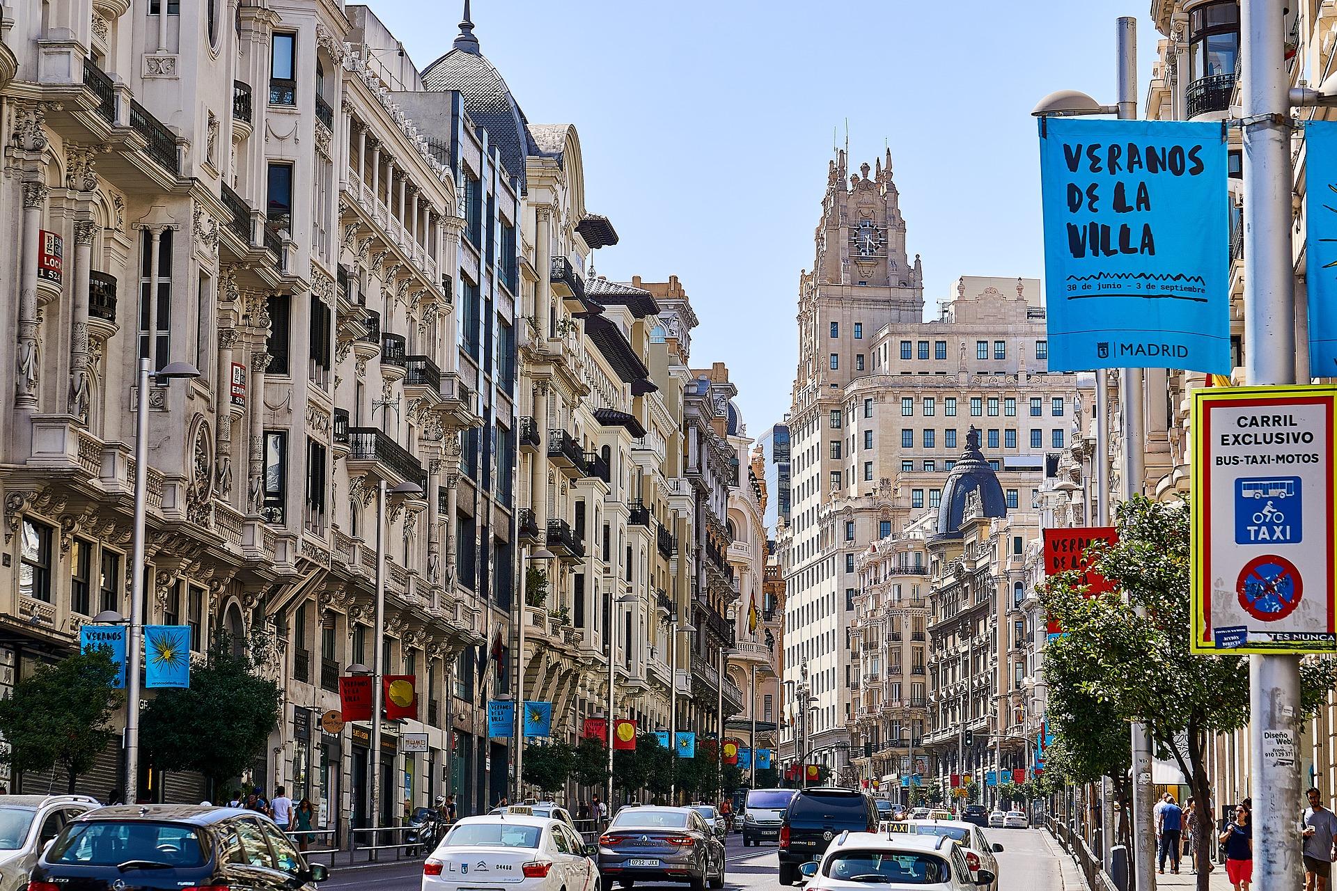 Minister zdrowia Hiszpanii: Przymusowa izolacja zostanie skrócona do 10 dni