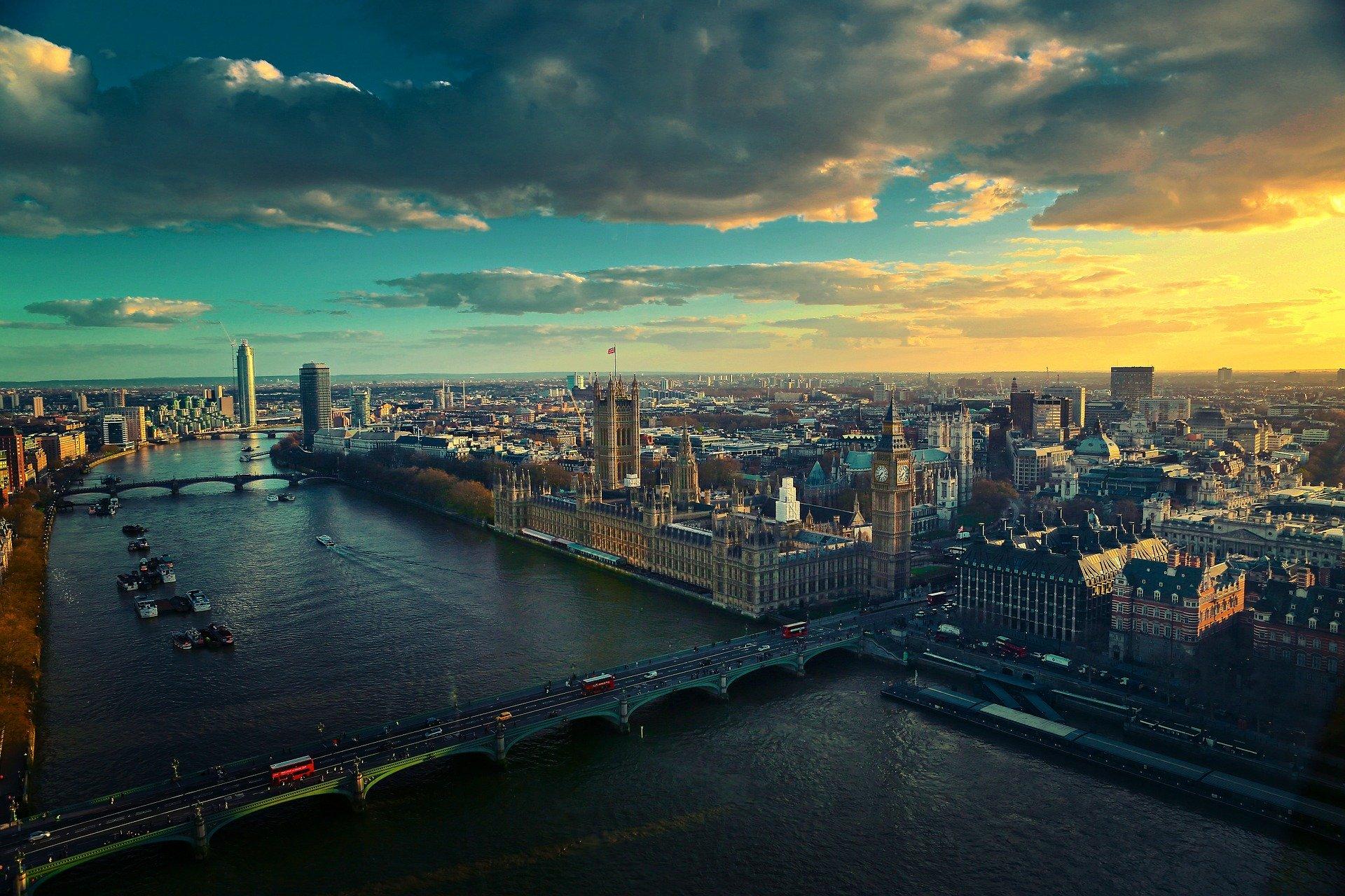 W. Brytania: 4322 nowe zakażenia koronawirusem. Najwięcej od 8 maja