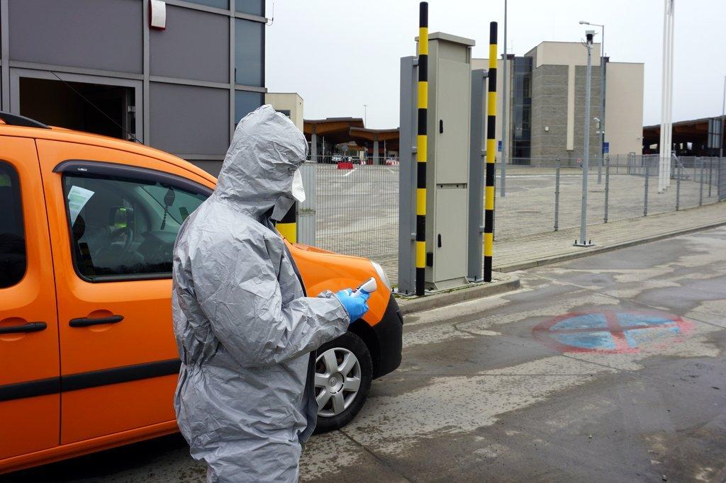 Wiceszef MSWiA: Ponad 45,5 tys. kontroli sanitarnych przy granicy z Czechami i Słowacją