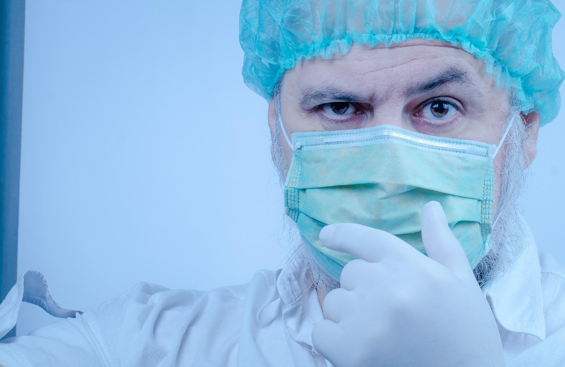 Błaszczak: Tymczasowy szpital na Okęciu przyjął pierwszych pacjentów