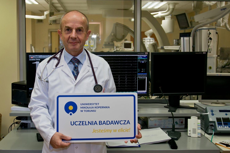 UMK: Badania kliniczne leków mających pomóc w walce z epidemią przynajmniej w pięciu ośrodkach