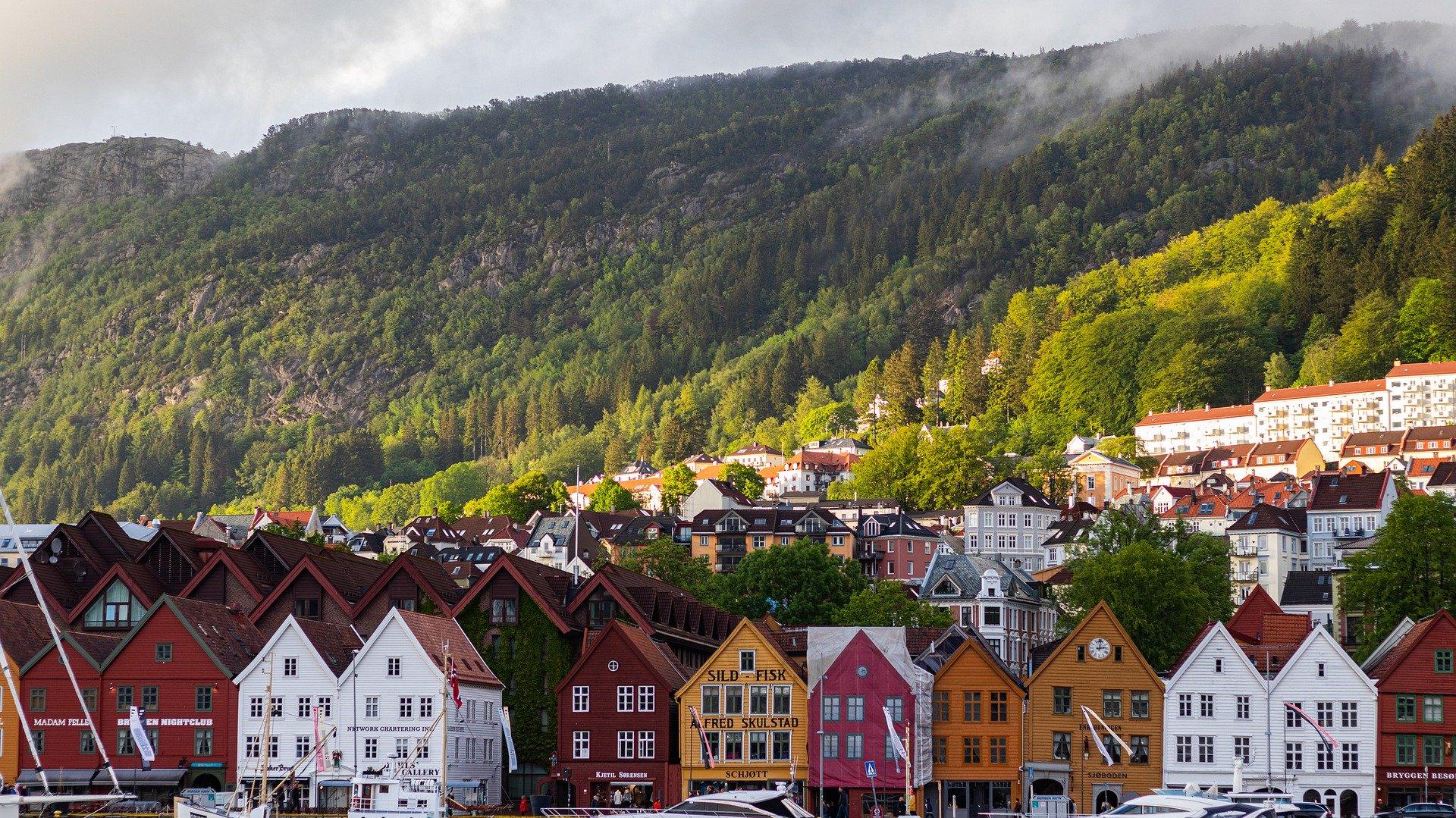 Norwegia: Premier zapowiedziała stopniowe znoszenie ograniczeń z powodu koronawirusa