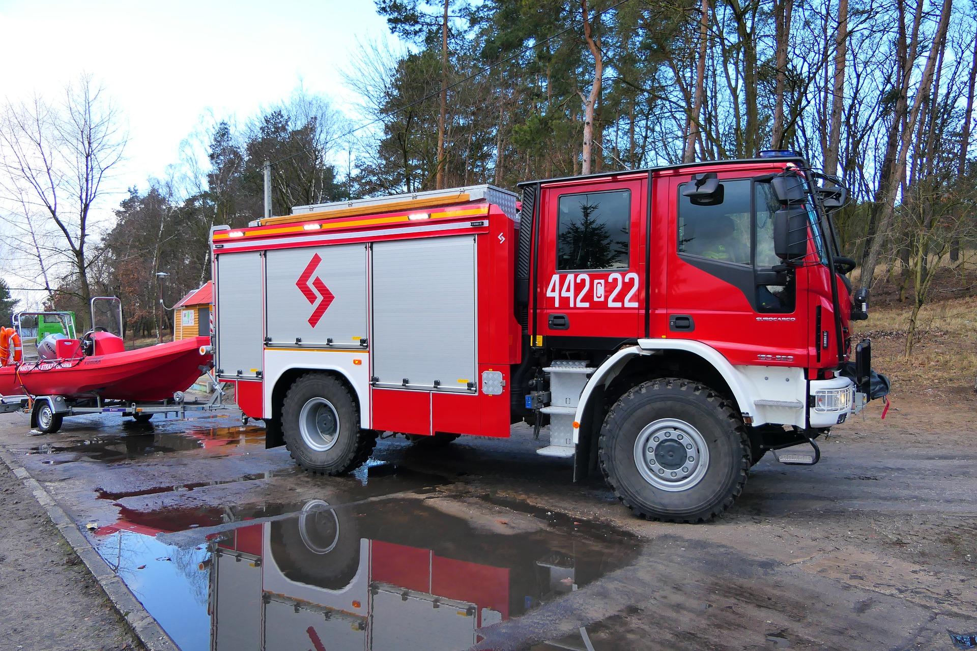 Strażacy coraz częściej wyjeżdżają w zastępstwie pogotowia ratunkowego