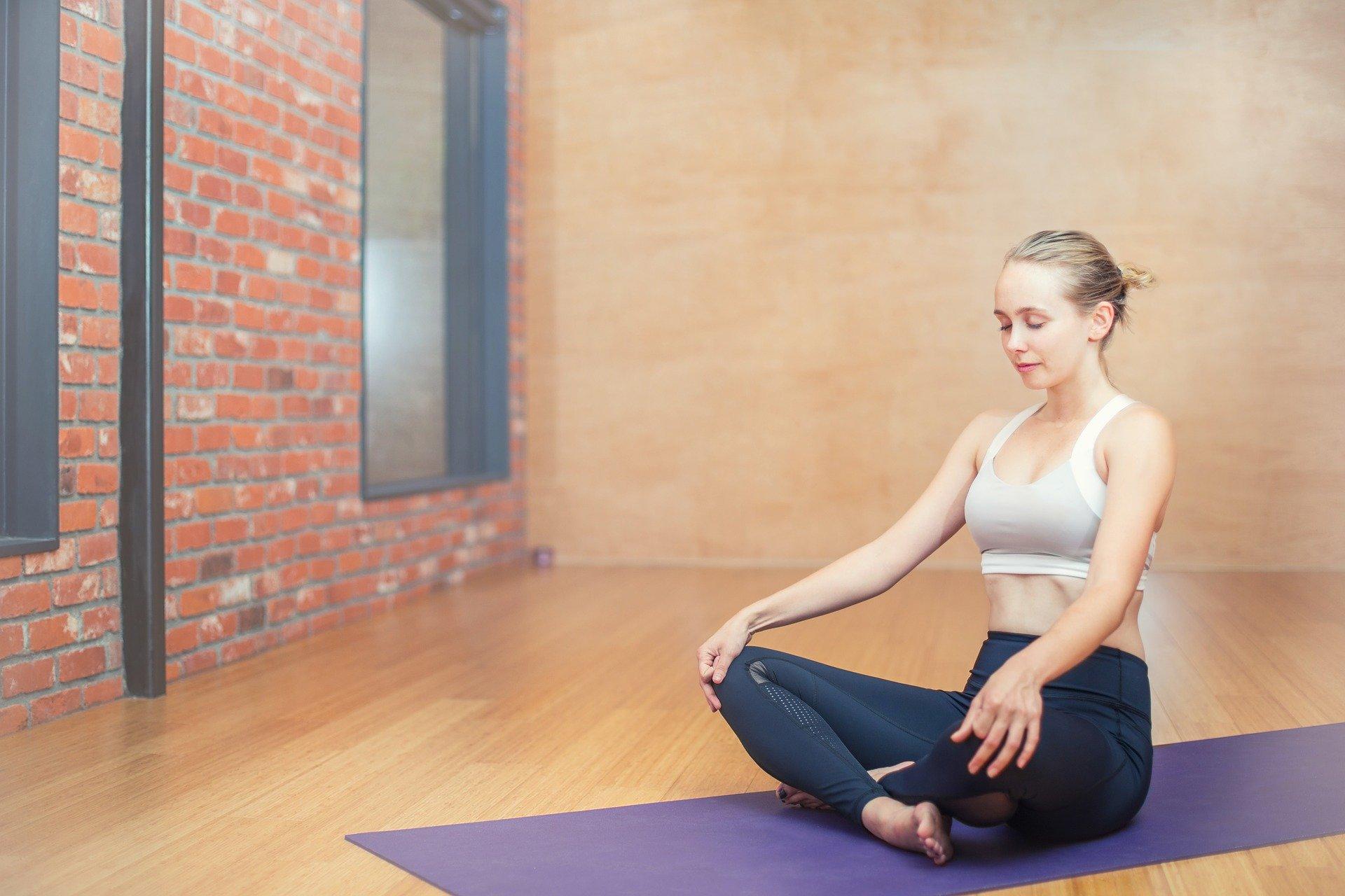 Zajęcia jogi online to sposób na aktywność w domu