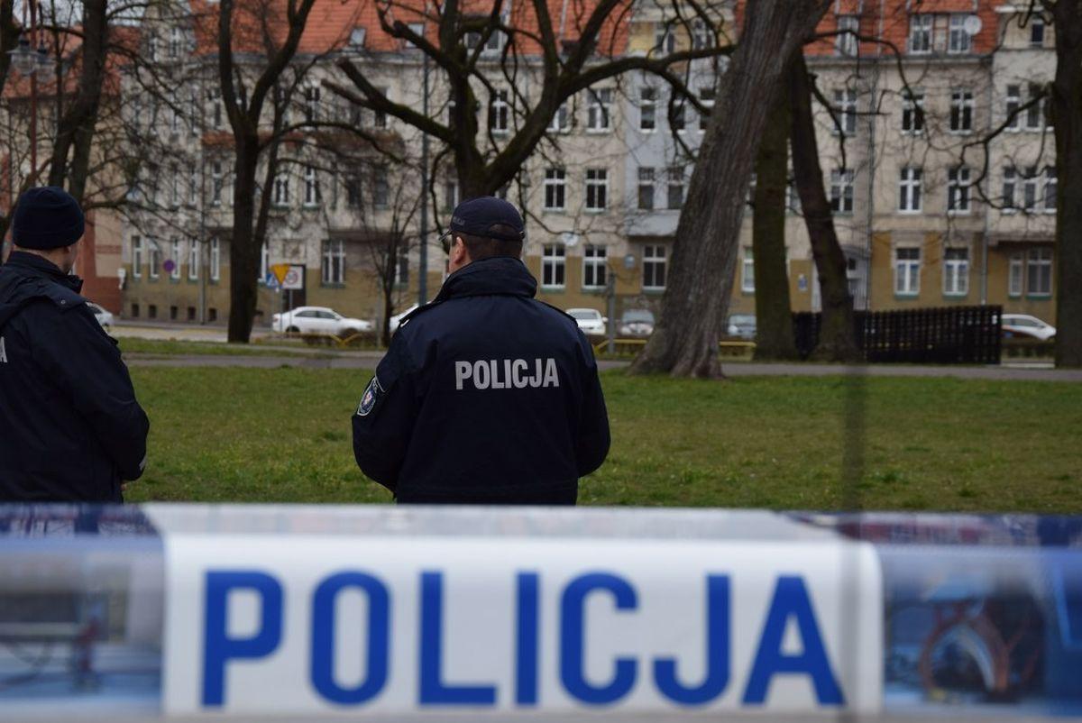 RPO wyjaśnia różnicę między karą od sanepidu a mandatem policji za złamanie restrykcji zw. z COVID-19