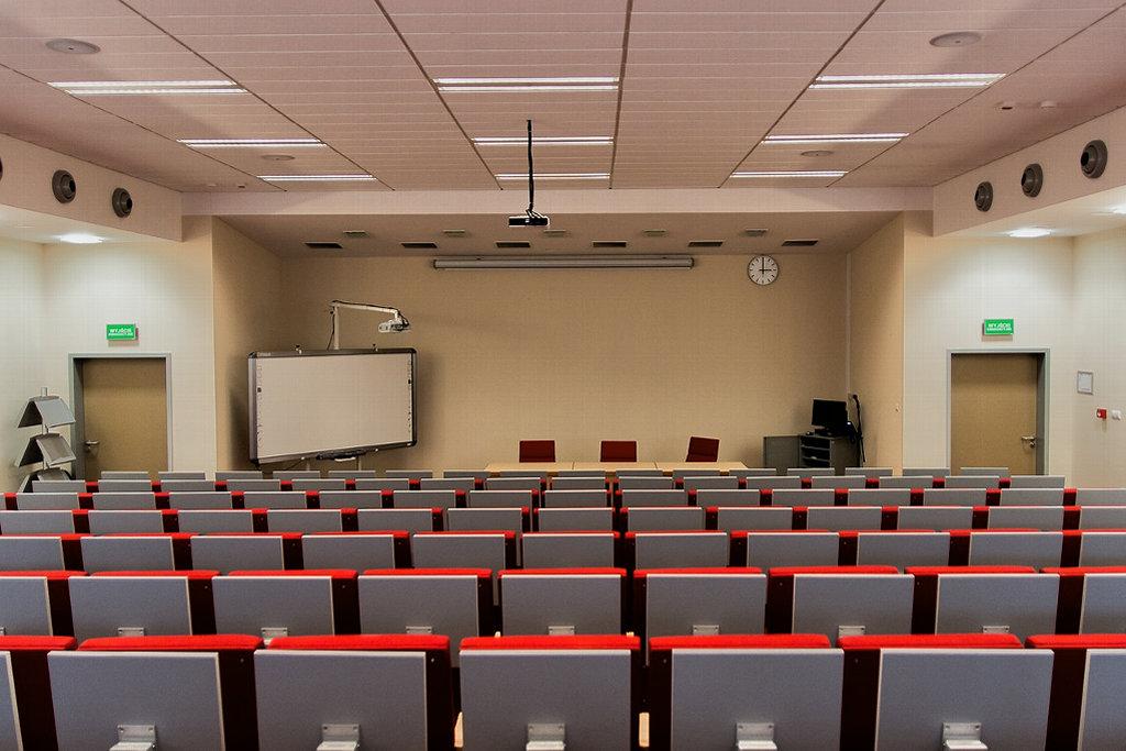 Uniwersytet Jana Kochanowskiego zwiększa liczbę przyjęć na wydziale lekarskim