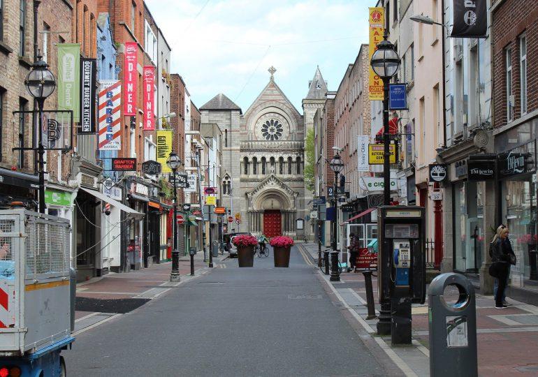 Irlandia: Rząd odracza zniesienie niektórych ograniczeń związanych z koronawirusem