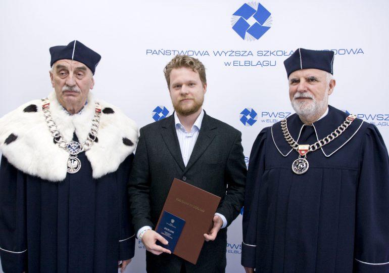 Mury PWSZ w Elblągu opuścił 10-tysięczny absolwent!