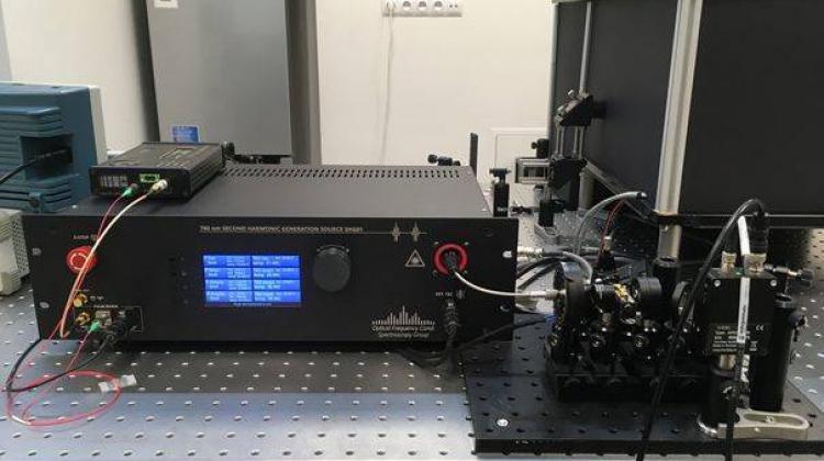 Naukowcy PWr stworzyli laser, który pomoże dokładnie zobrazować siatkówkę oka
