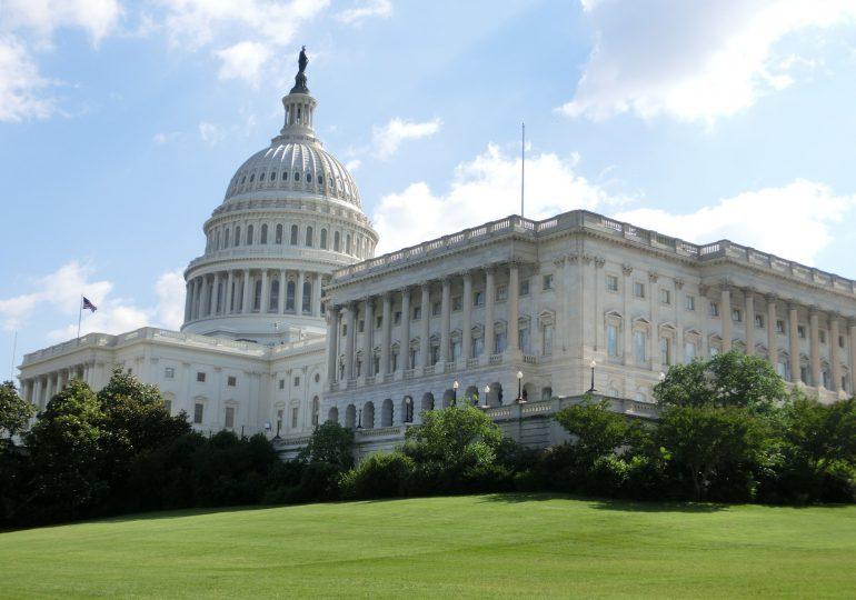 USA: Od czwartku ścisły obowiązek noszenia masek w Izbie Reprezentantów