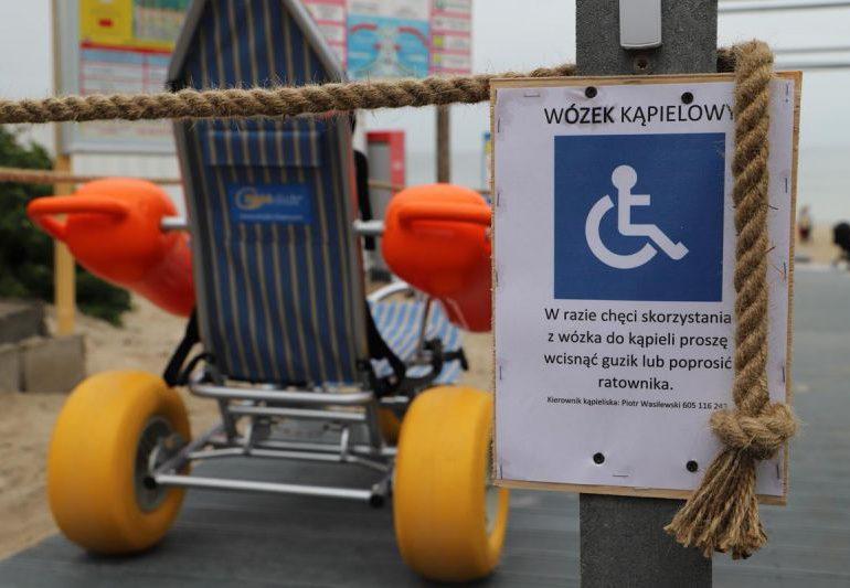 Plaża z udogodnieniami dla osób z niepełnosprawnością