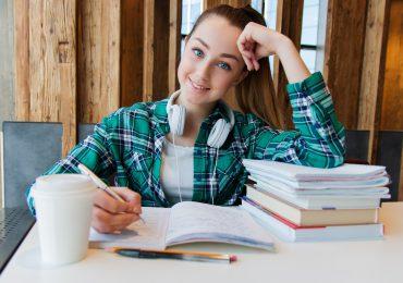 Podjęcie zatrudnienia przez ucznia lub studenta pobierającego rentę rodzinną
