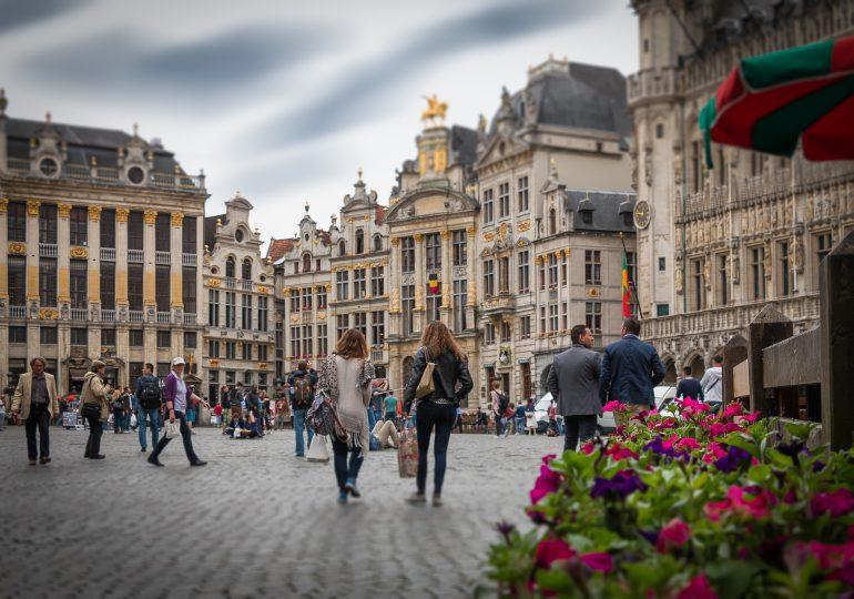 Belgia: Liczba infekcji rośnie, hospitalizacji i zgonów nadal spada