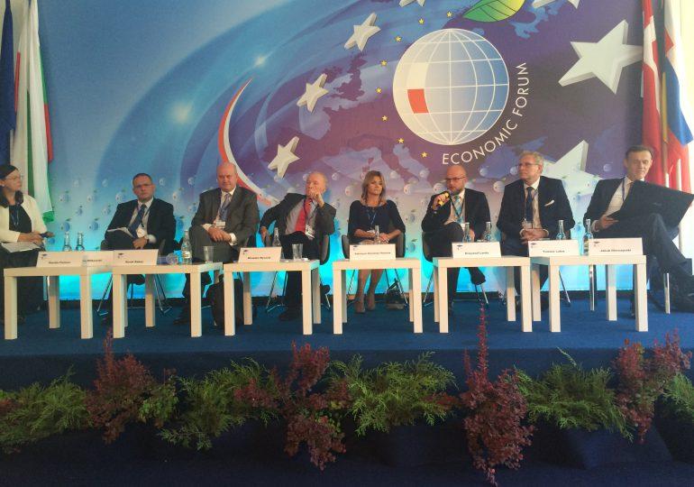 Szumowski: Jeśli Krynica-Zdrój nadal będzie w czerwonej strefie, to Forum Ekonomiczne trzeba będzie odwołać