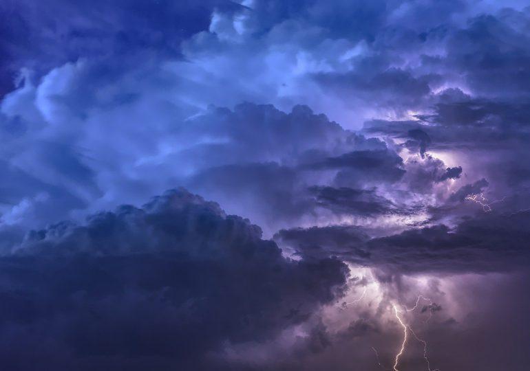RCB ostrzega przed burzami