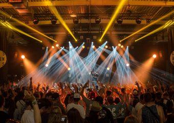 Hiszpańskie służby medyczne: Festiwale muzyczne przyczyniają się do wzrostu liczby zakażeń