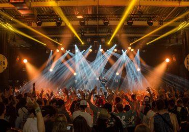 Niemcy: Szczepienia na COVID-19 jako warunek wstępu na koncerty